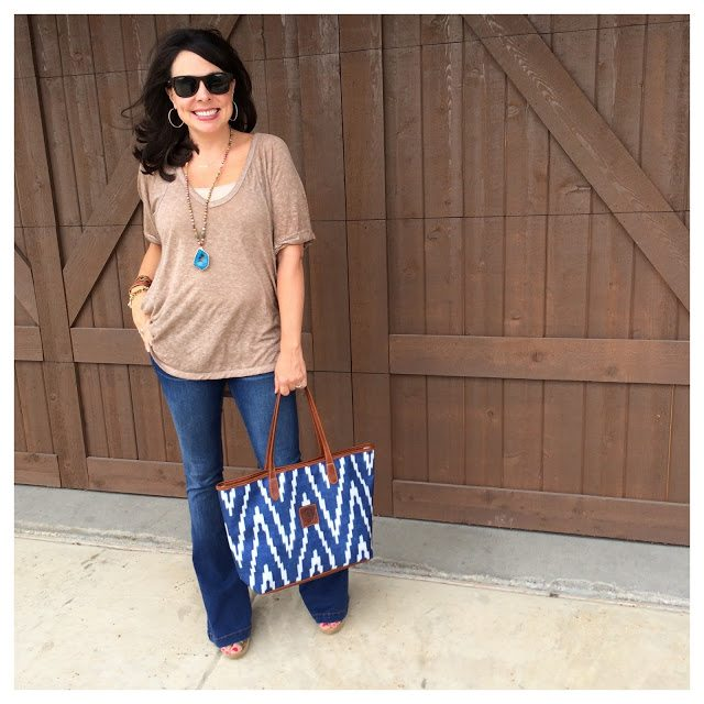 Sheaffer Told Me To An Awesome Tee and Fantastic Jeans...and a FABULOUS Bag!