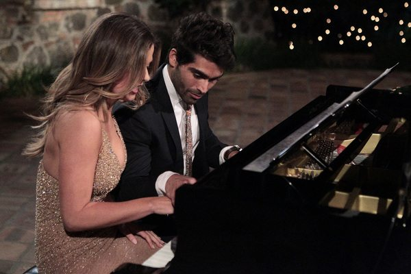 JoJo playing piano with Ali