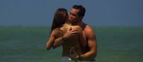jojo and chase kissing in ocean
