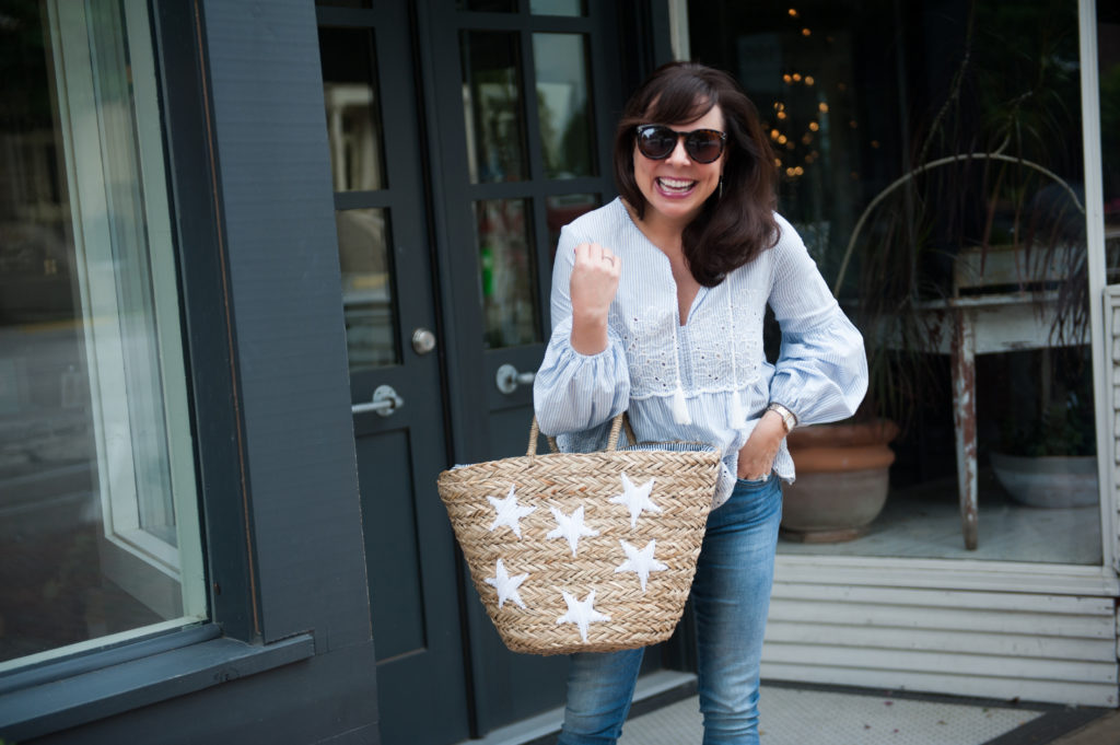 star straw tote summer outfit idea